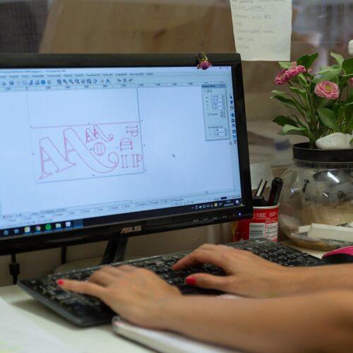 Tecnica-realizando-letras-de-madera-3D